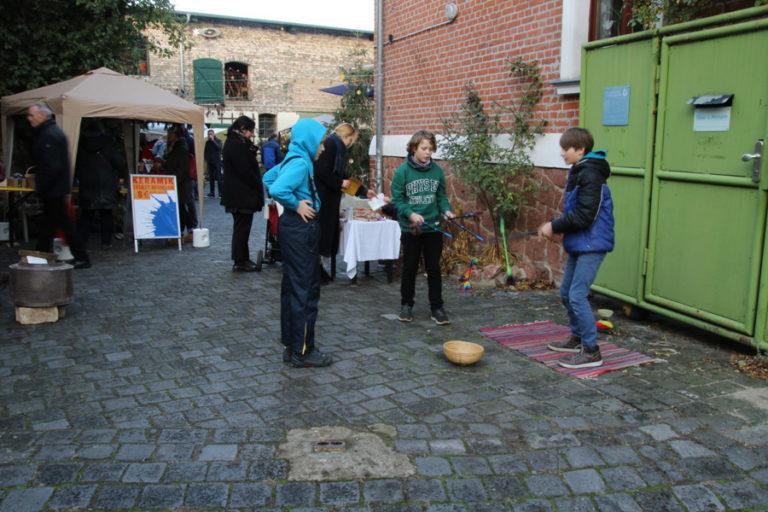 Adventsmarkt in Halle-Trotha kunstrichtungtrotha saalestraße (2)