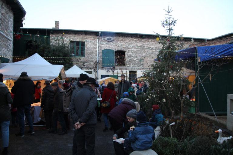 Adventsmarkt in Halle-Trotha kunstrichtungtrotha saalestraße (9)